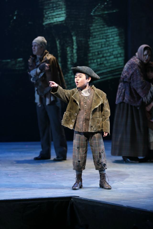 Matthew Uzarraga, Les Miserables